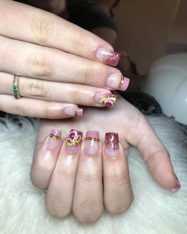 90 unhas decoradas rosa que unem delicadeza e estilo - 2