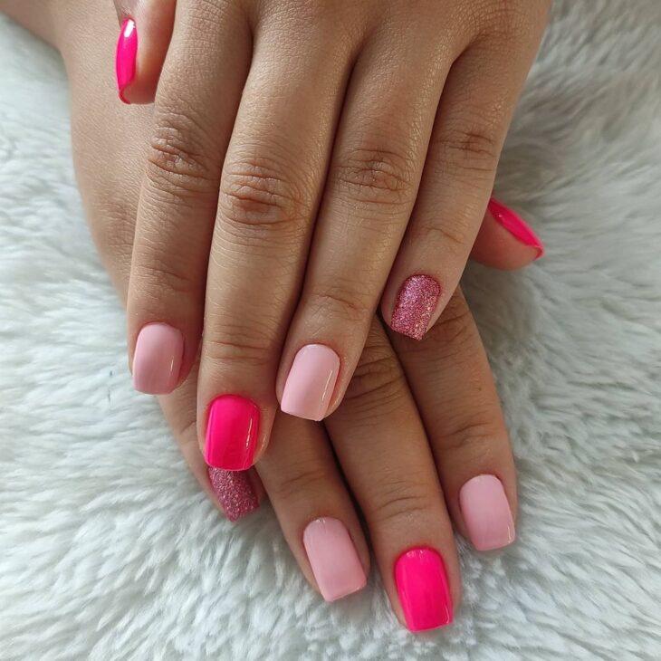 90 unhas decoradas rosa que unem delicadeza e estilo - 36