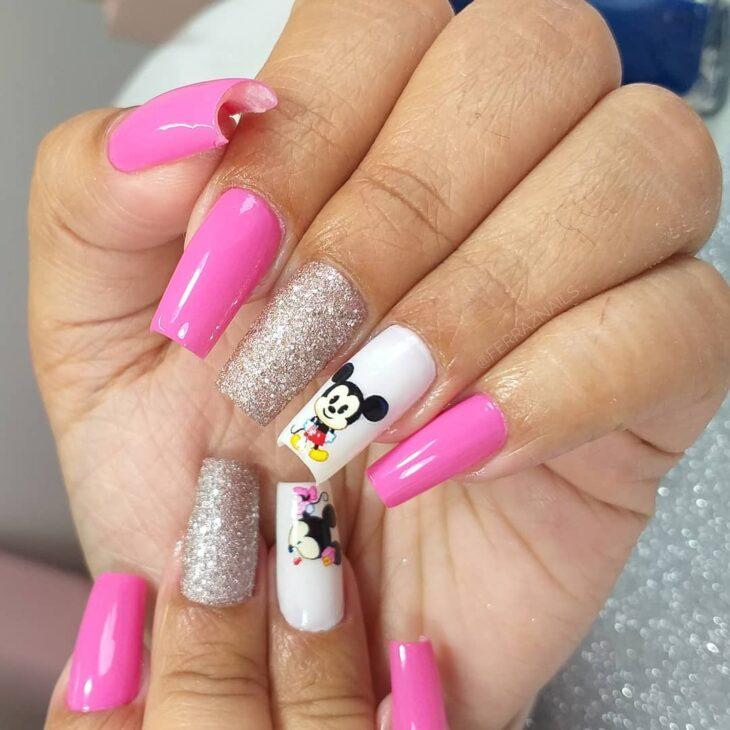 90 unhas decoradas rosa que unem delicadeza e estilo - 39