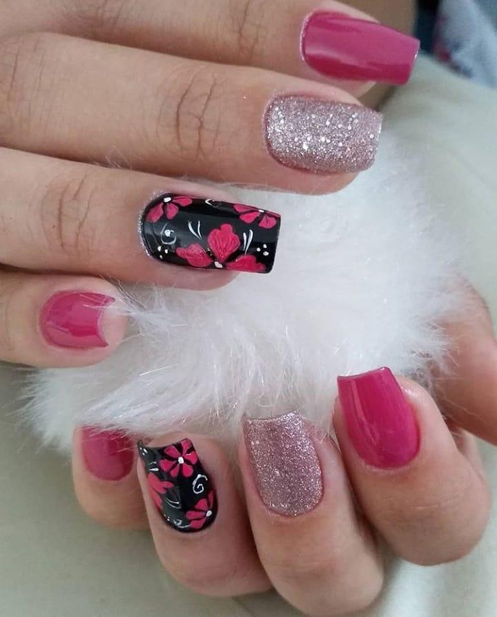 90 unhas decoradas rosa que unem delicadeza e estilo - 46