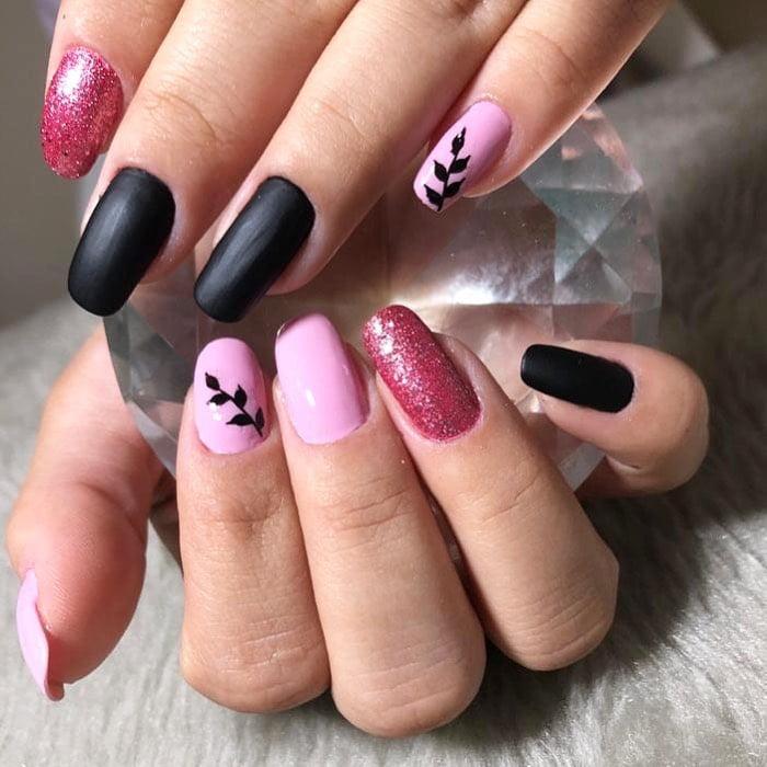 90 unhas decoradas rosa que unem delicadeza e estilo - 47