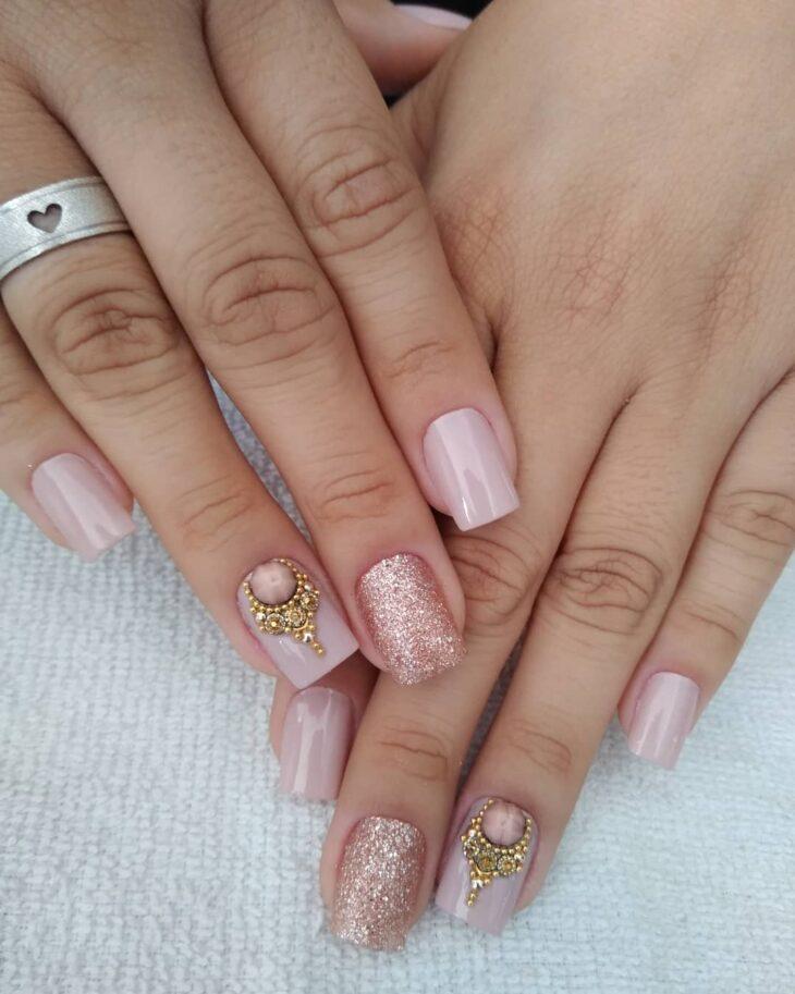 90 unhas decoradas rosa que unem delicadeza e estilo - 51