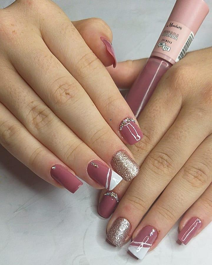 90 unhas decoradas rosa que unem delicadeza e estilo - 52