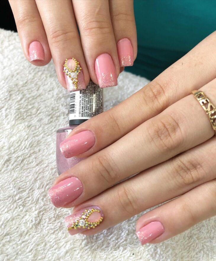 90 unhas decoradas rosa que unem delicadeza e estilo - 53