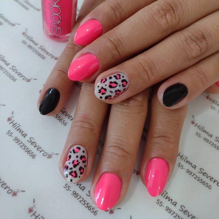 90 unhas decoradas rosa que unem delicadeza e estilo - 54