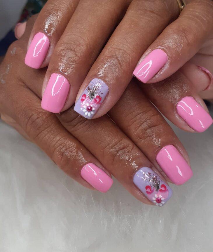 90 unhas decoradas rosa que unem delicadeza e estilo - 58