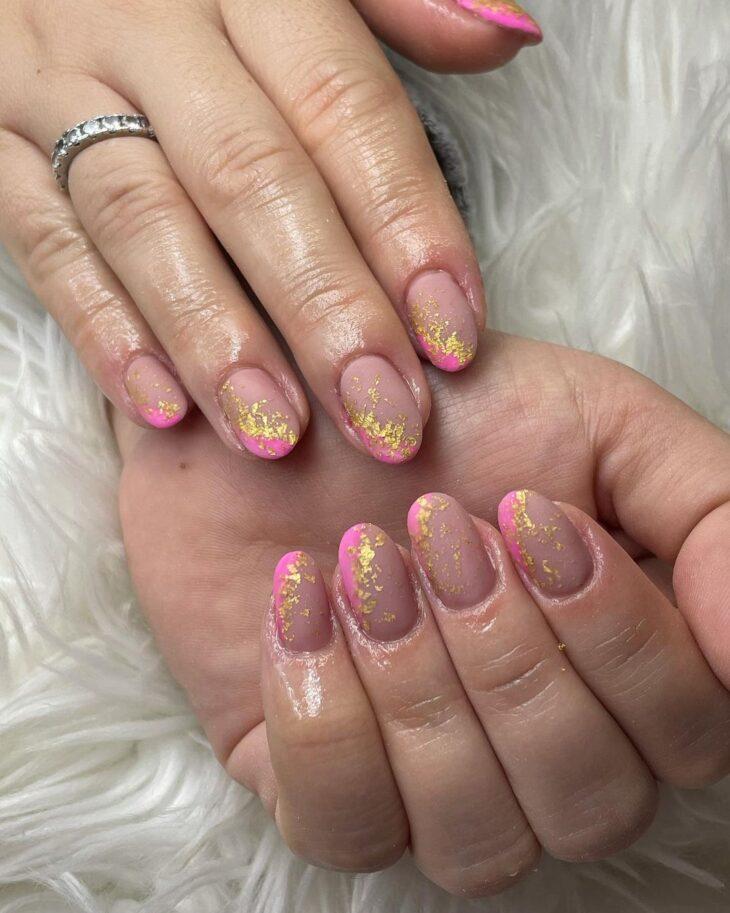 90 unhas decoradas rosa que unem delicadeza e estilo - 61