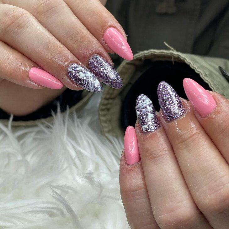 90 unhas decoradas rosa que unem delicadeza e estilo - 62