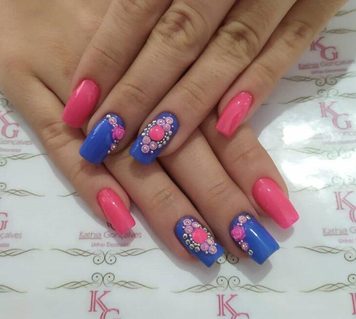 90 unhas decoradas rosa que unem delicadeza e estilo - 63