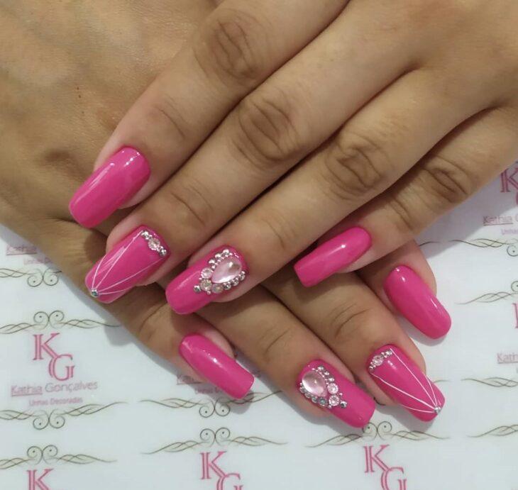 90 unhas decoradas rosa que unem delicadeza e estilo - 64
