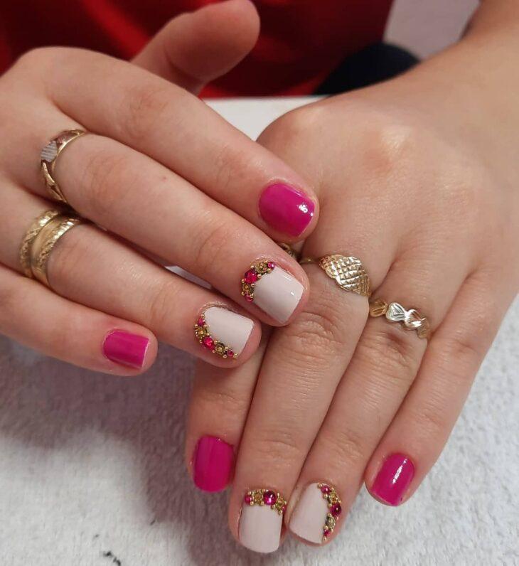 90 unhas decoradas rosa que unem delicadeza e estilo - 65