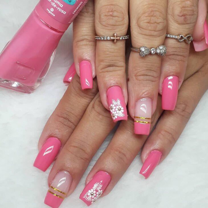 90 unhas decoradas rosa que unem delicadeza e estilo - 68