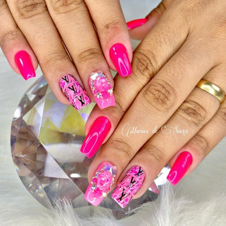 90 unhas decoradas rosa que unem delicadeza e estilo - 70