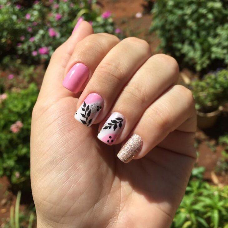 90 unhas decoradas rosa que unem delicadeza e estilo - 73