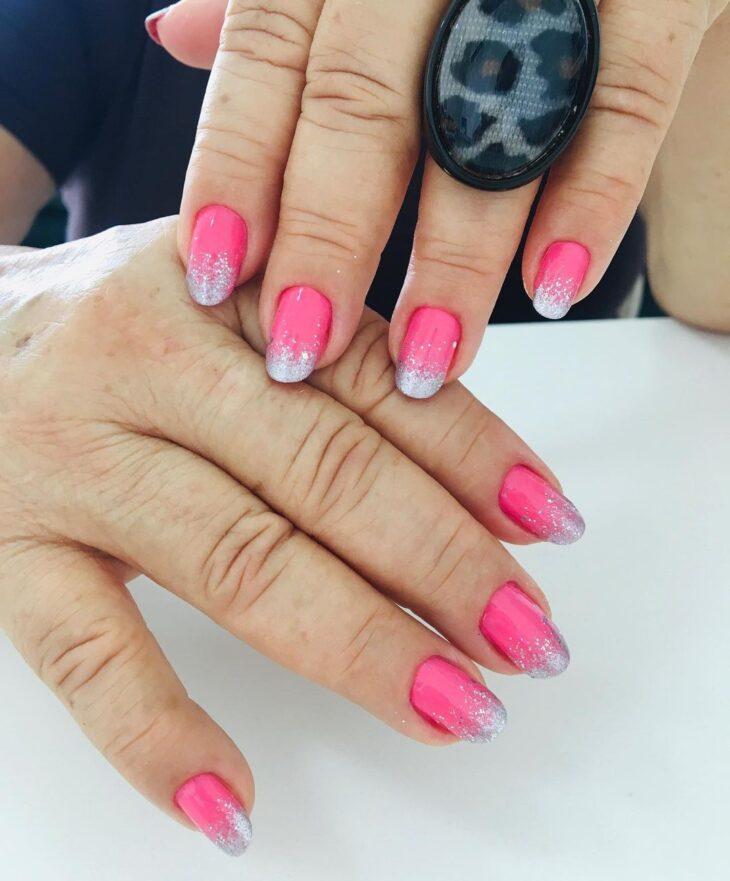 90 unhas decoradas rosa que unem delicadeza e estilo - 78