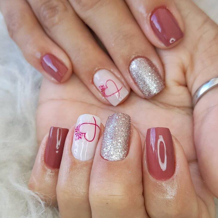 90 unhas decoradas rosa que unem delicadeza e estilo - 79