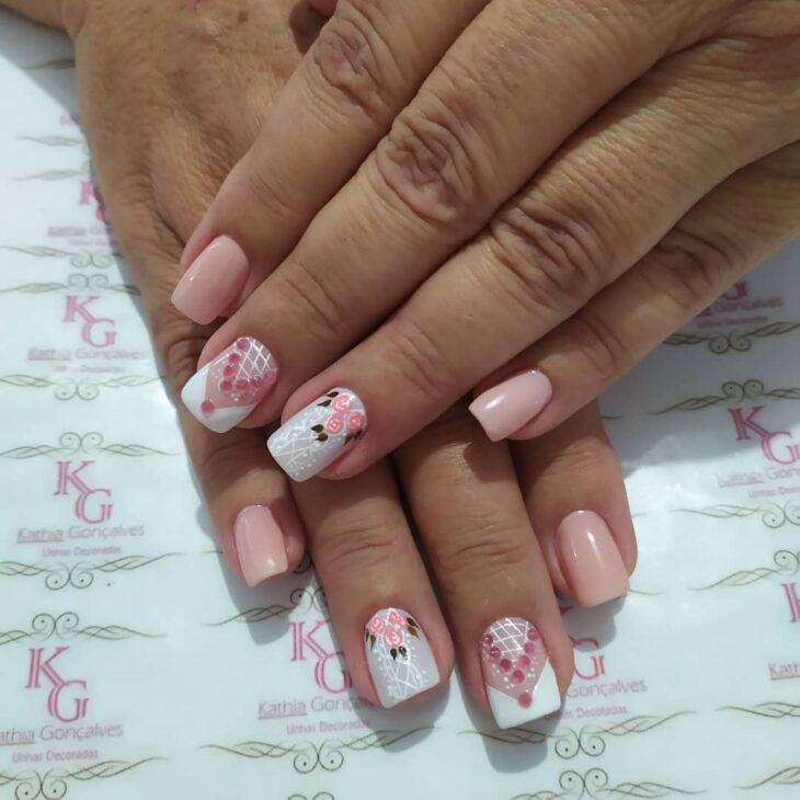 90 unhas decoradas rosa que unem delicadeza e estilo - 80