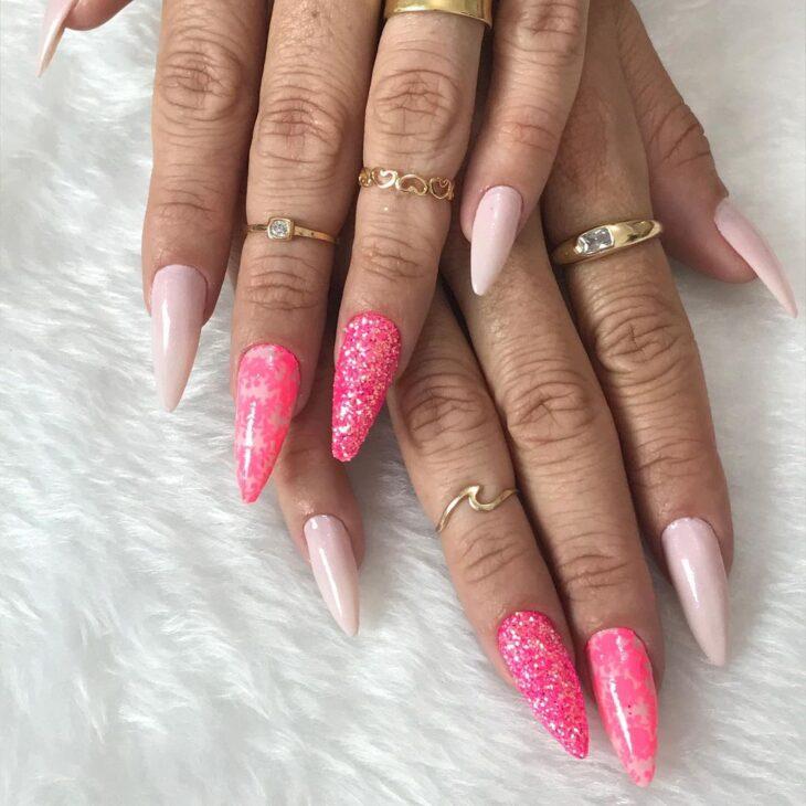 90 unhas decoradas rosa que unem delicadeza e estilo - 87