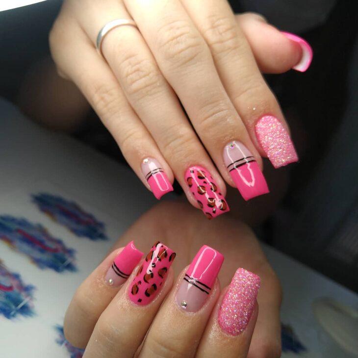 90 unhas decoradas rosa que unem delicadeza e estilo - 92