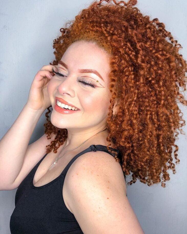 cabelo cacheado ruivo 37