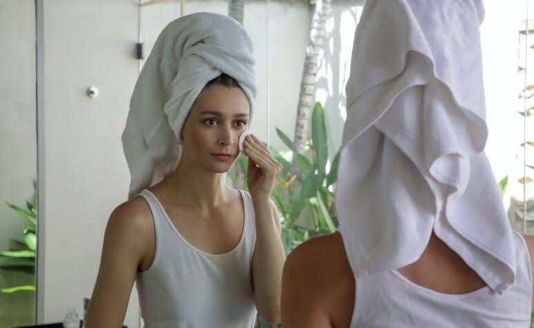 Saiba mais sobre a pele oleosa, como cuidar e dicas de produtos - 1