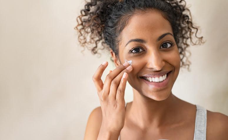 Saiba mais sobre a pele oleosa, como cuidar e dicas de produtos - 3
