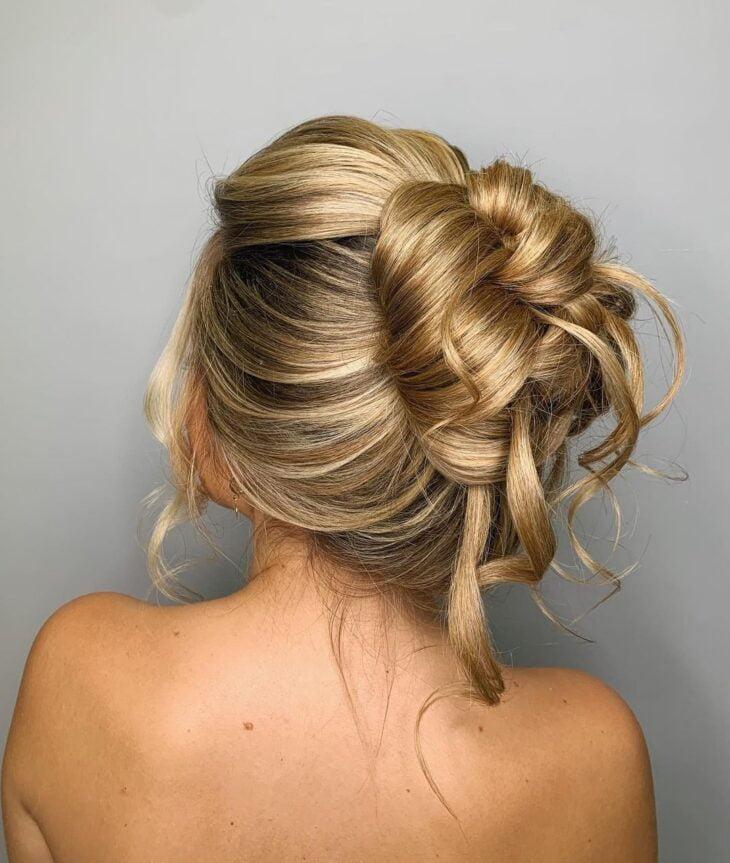 penteados para mãe da noiva 22