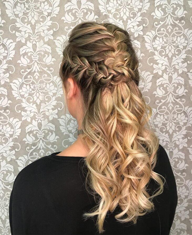 penteados para mãe da noiva 25