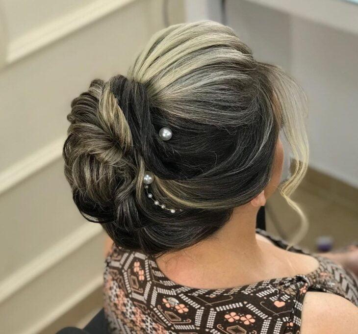 penteados para mãe da noiva 37