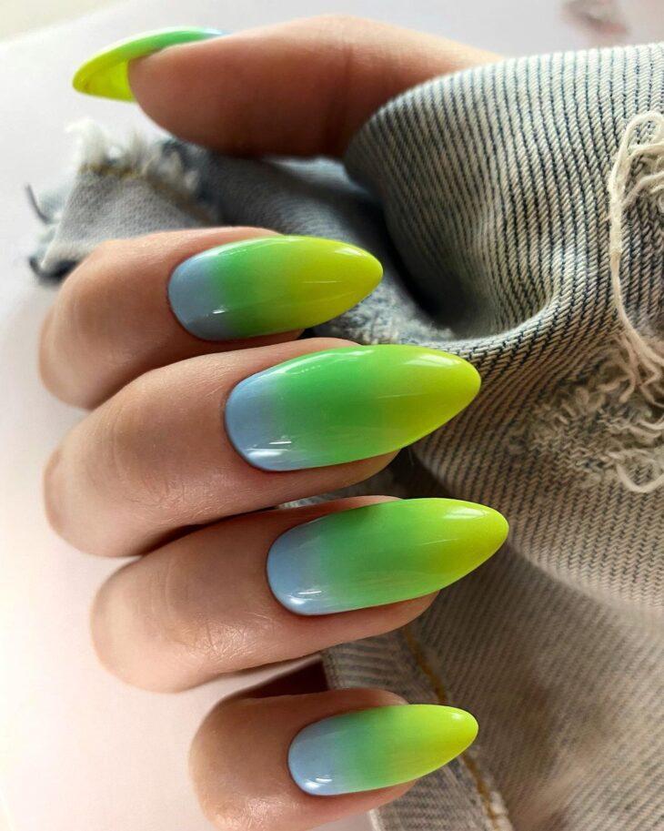 40 fotos + tutoriais de unhas coloridas para inovar na nail art - 27