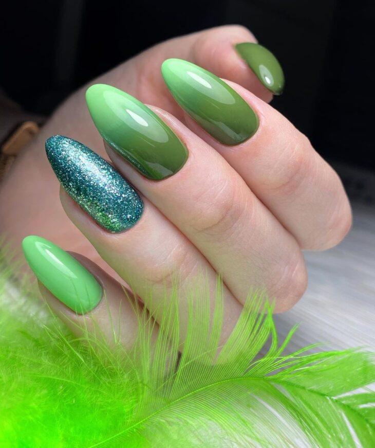 40 fotos + tutoriais de unhas coloridas para inovar na nail art - 13