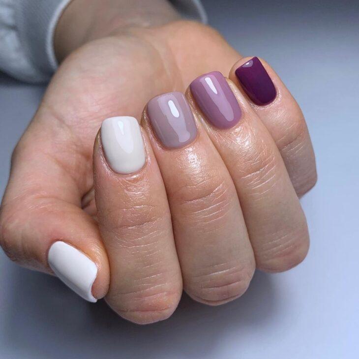40 fotos + tutoriais de unhas coloridas para inovar na nail art - 23