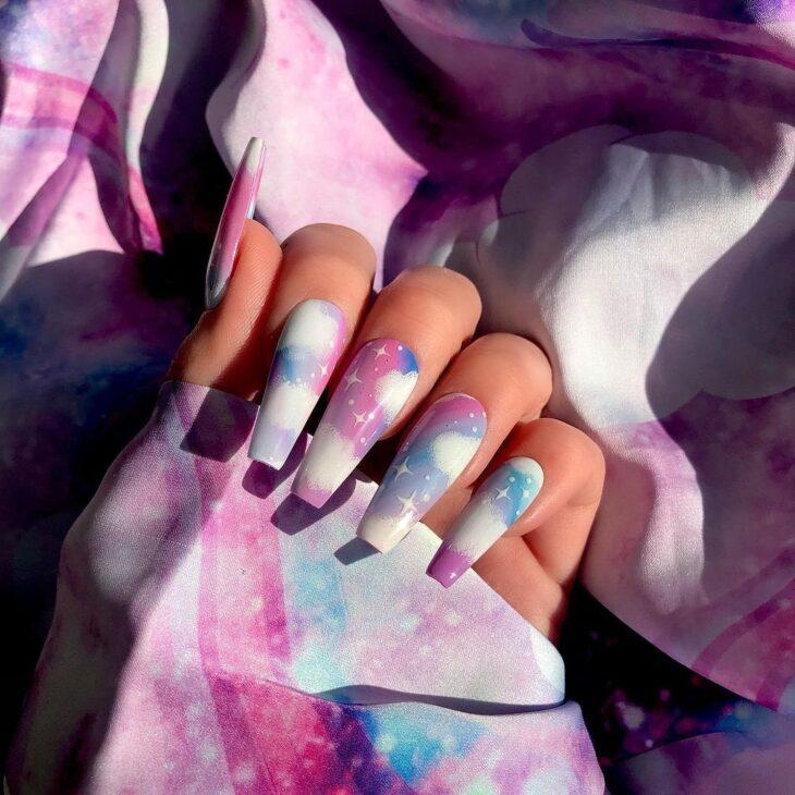 40 fotos + tutoriais de unhas coloridas para inovar na nail art - 43