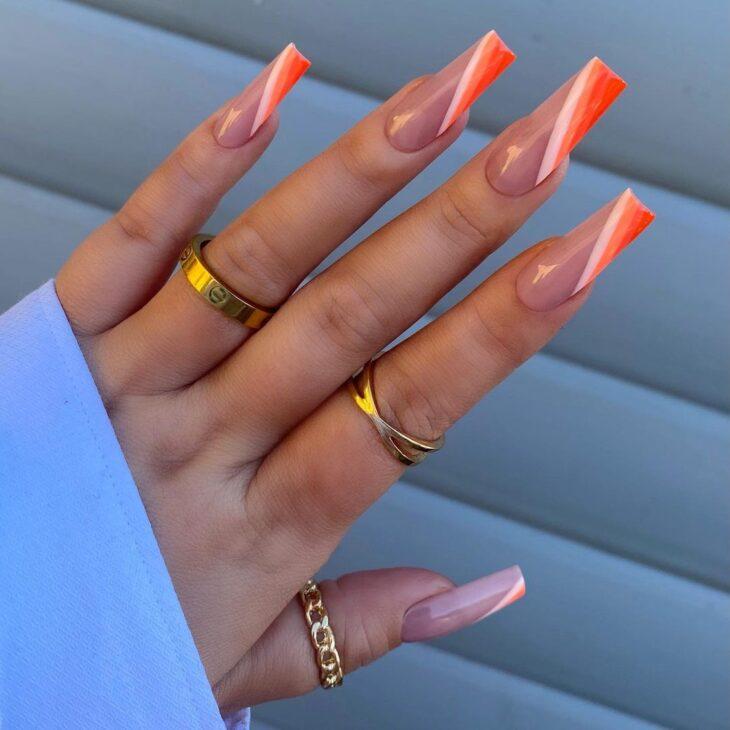 40 fotos + tutoriais de unhas coloridas para inovar na nail art - 19