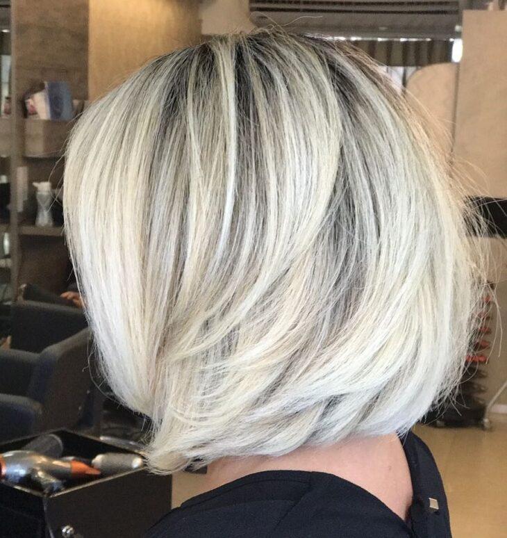 cabelo curto loiro 60