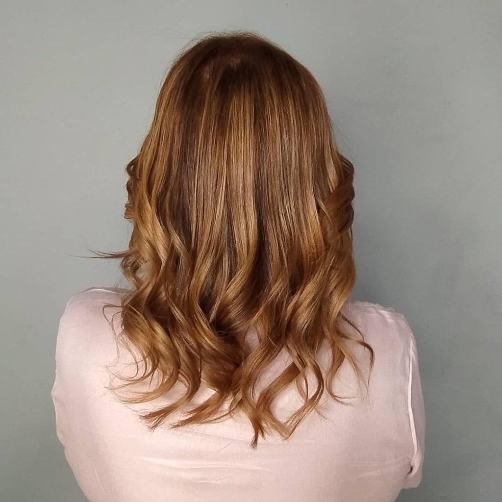Saiba como escolher a melhor cor para pintar seu cabelo