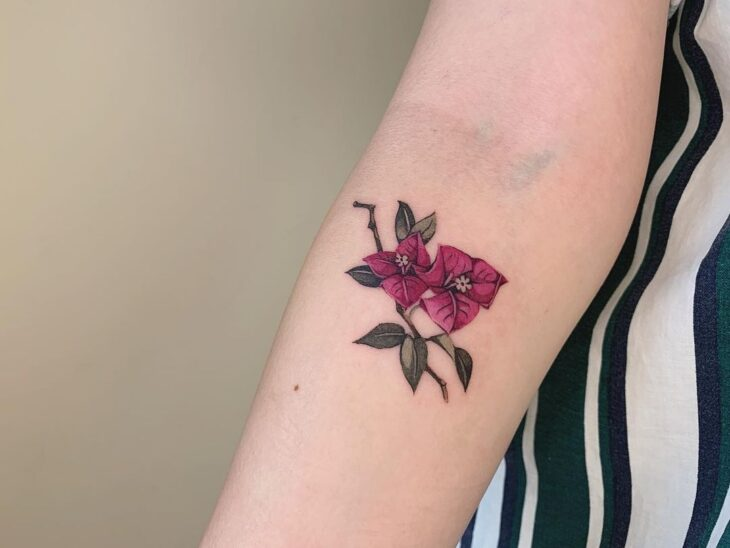 Tatuagem de flor pequena 3
