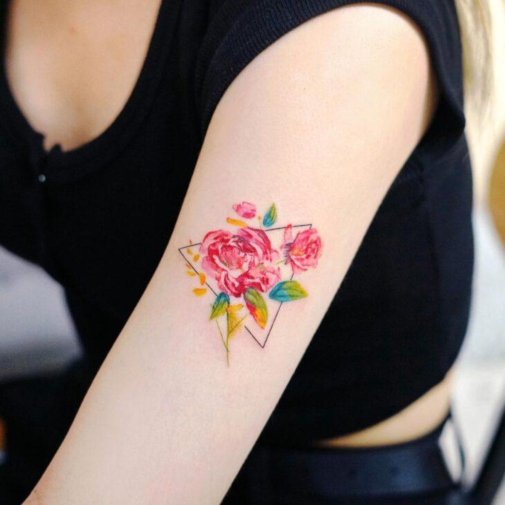 Tatuagem de flor pequena 11