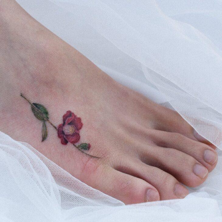Tatuagem de flor pequena 27