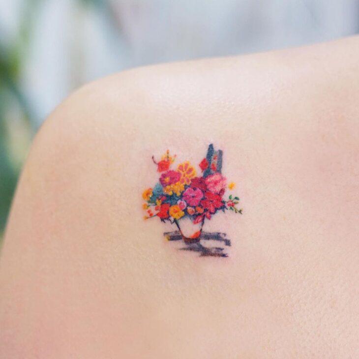 Tatuagem de flor pequena 37