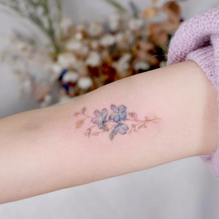 Tatuagem de flor pequena 41