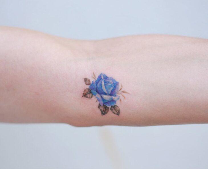 Tatuagem de flor pequena 45