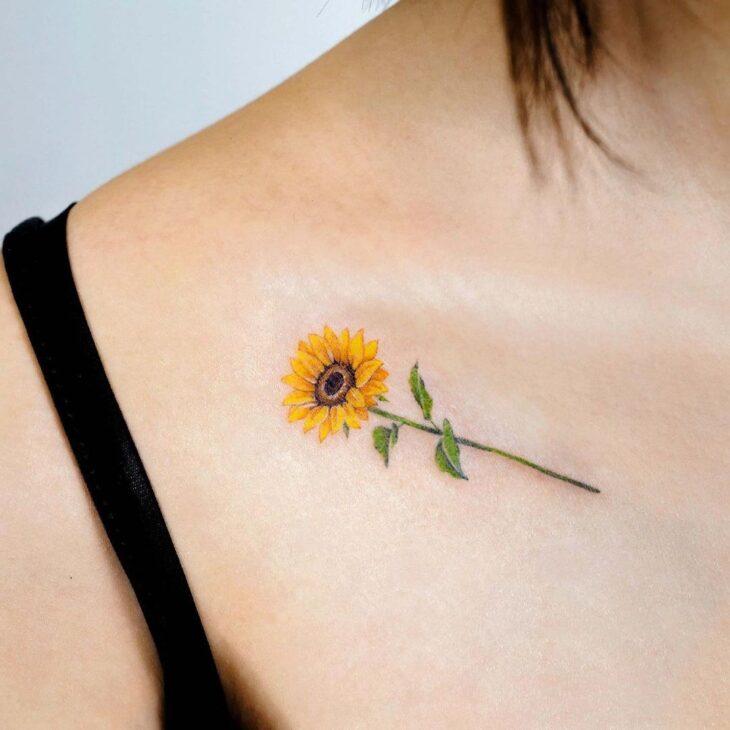 Tatuagem de flor pequena 47