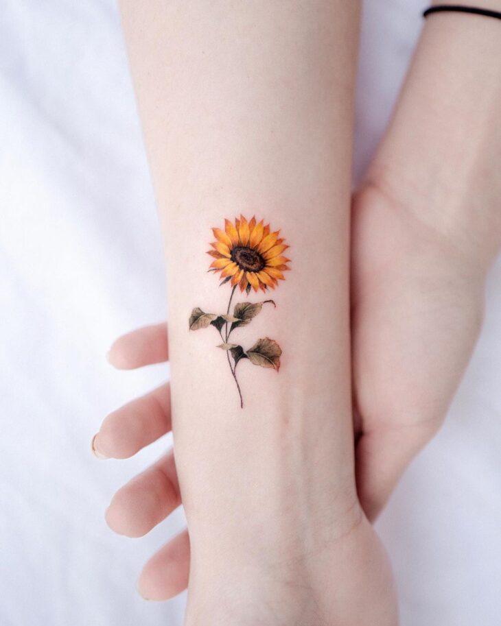 Tatuagem de flor pequena 48