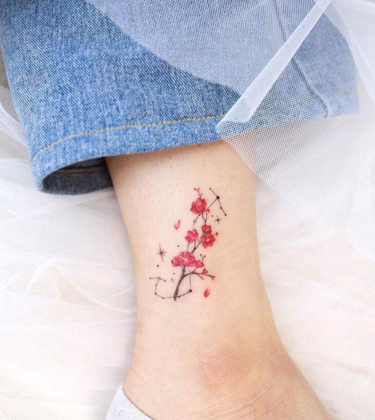 Tatuagem de flor pequena 51