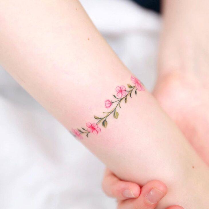 Tatuagem de flor pequena 61