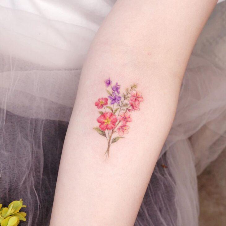 Tatuagem de flor pequena 62