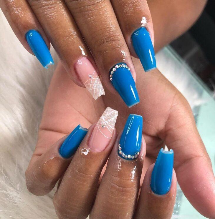 unhas decoradas azul 5