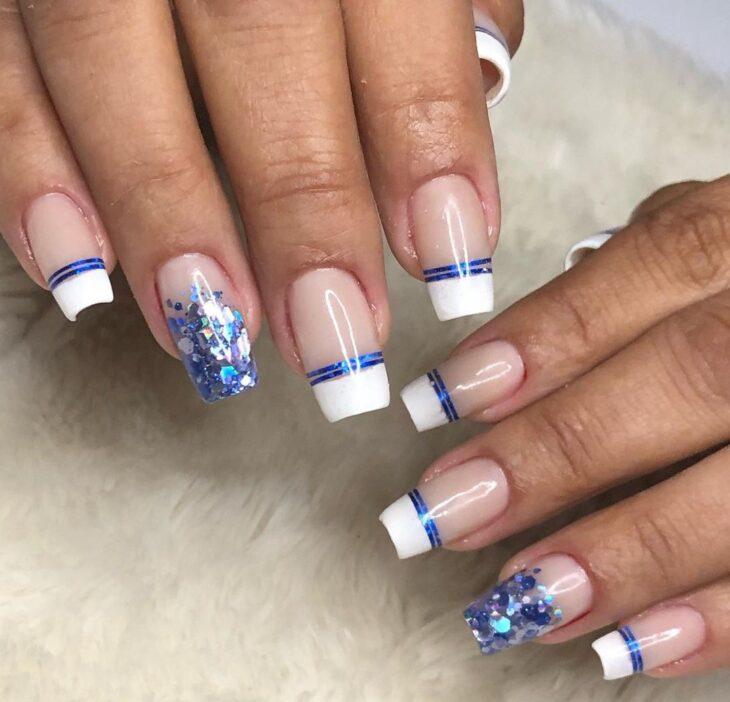 unhas decoradas azul 27
