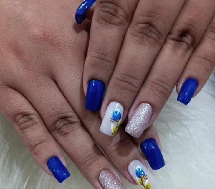 unhas decoradas azul 28